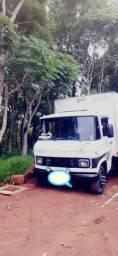 Caminhão 3/4 Mb 608 E