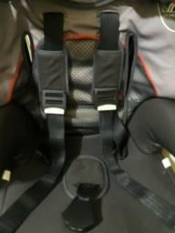 Vendo Cadeira infantil para carro.