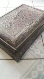 Caixa de ferro antiga