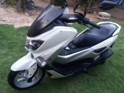 Moto NMAX 160 com ABS