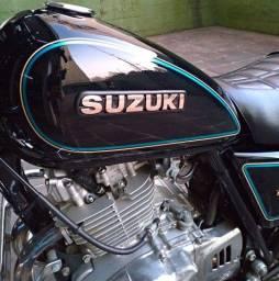 Suzuki Intruder Gn 250