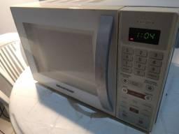 Título do anúncio: Micro ondas Brastemp 18L 220v