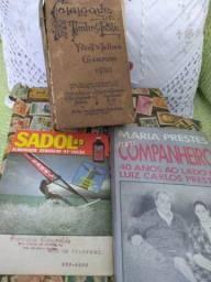 Livros antigos e selos