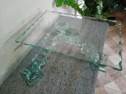 Bandeja de vidro trabalhada.
