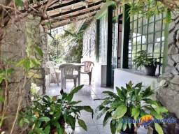 Título do anúncio: Linda casa linear à venda 3 quartos, cercada de muito verde e em excelente localização. So
