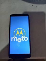 Motorola G6 baratinho.