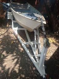 Canoa com carretinha
