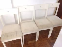 Cadeiras almofadadas branca