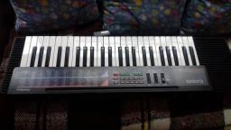 Vendo este teclado em ótimo Estado marca Casio