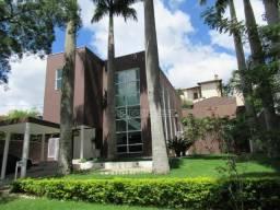 Casa na Granja Viana possuindo 03 dormitórios à venda, 362 m² por R$ 1.920.000 - Nova Higi