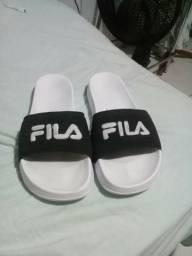 Vendo sandália da fila Original
