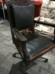 Cadeira giratória antiga