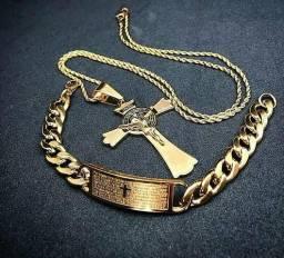 Conjunto Crucifixo Banhado a Ouro 18k ou