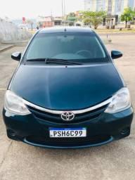 Toyota Etios 1.3 manual 12KM/L na cidade