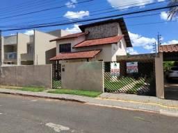 Sobrado com 3 dormitórios para alugar, 250 m² por R$ 3.000,00/mês - Jardim Lancaster I - F