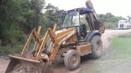 Retroescavadeira Case 580M