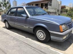 Monza Classic 2.0 gasolina - 1989