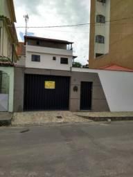 Alugo Casa Duplex em Campo Grande com 300m2, 04 quartos