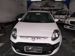 Fiat/ Punto Atrr. 1.4 Completo - 2014
