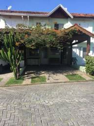 Casa na Granja Vianna com 90m² A.C. 3 Quartos, ·2 Vagas