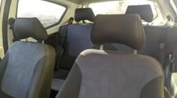 Carro novo no ponto de transferência - 2013