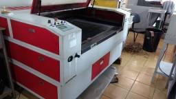Máquina de Laser 2 canhões de corte simultâneo 90w