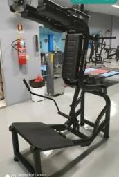 Aparelhos para musculção,academia 3uni R$4500 cada