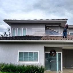 Lavagem de telhados e calhas