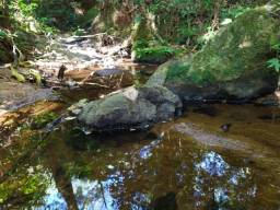 Chácara com cascata natural