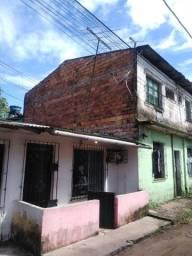 Alugo casa na rodovia Mario Covas com 2 quartos apenas 500 já incluído água e luz