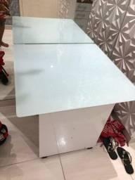 Mesa de vidro laqueado