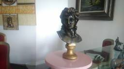 Estatua Busto de Eros