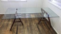 Mesa de Vidro com Cavalete