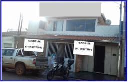 Imóvel comercial com uma casa de fundo, acessos separados para ambos