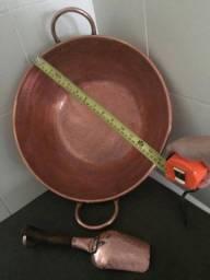 Tacho descobre e colher de cobre antigo