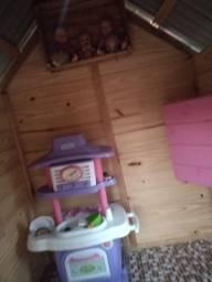 Vendo casinha de boneca 900 reais