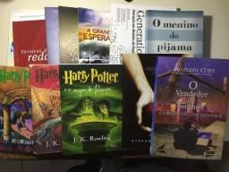 Vendo livros variados em bom estado