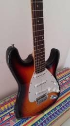 Título do anúncio: Guitarra Stratocaster Dolphin - Novinha, timbraço!  Troco e Vendo