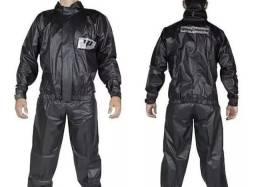Conjunto Capa de chuva kit calça+jaqueta novo tamanho M e G marca Panetone