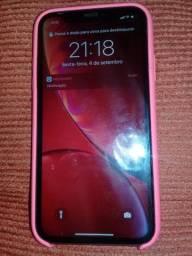 iPhone XR disponível na cor red