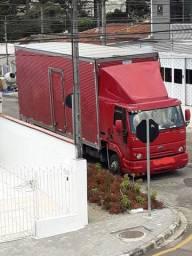 caminhão de fretes e mudanças