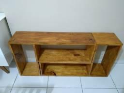 Hack, estante de madeira