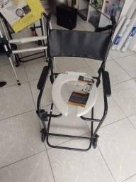 Título do anúncio: Cadeira De Banho Simples<br><br>