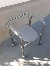 Cadeira de banho usada