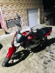 Titan 2013 linda moto
