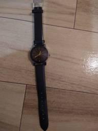 Título do anúncio: Relógio feminino novo em perfeito estado. (Nunca usado).