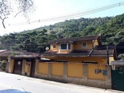 Casa c/4 quartos + anexo em Pedro do Rio