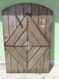 Título do anúncio: Portão de madeira para varanda