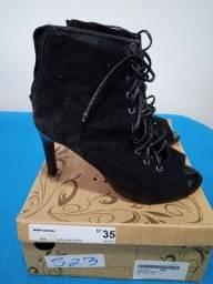 Vendo um par de sapatos feminino n 35 em ótimo estado