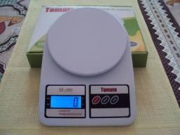 Balança de cozinha com pesagem de 1g até 10kg - Zerada na caixa